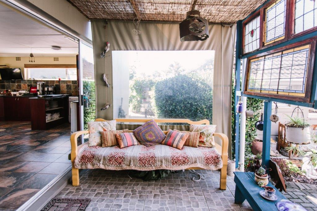 verandah couch